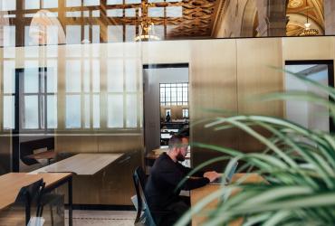 ¿Cómo distribuir el espacio de una oficina?